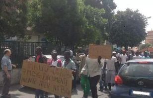 Protesta migranti a Lamezia Terme